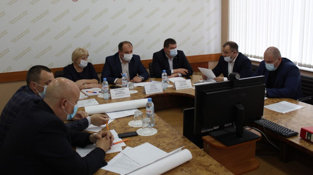 В администрации Белогорского района прошло рабочее совещание по проблемным вопросам водоснабжения населенных пунктоврайона
