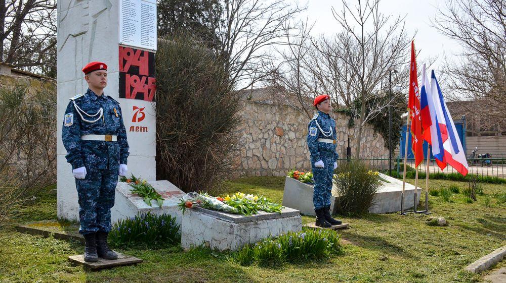 В селе Оленевка установили памятник на могиле ветерана ВОВ