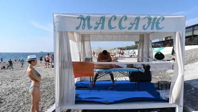 Совфед и ФАС проверят необоснованный рост цен на курортах России