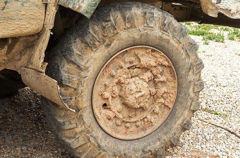 Основным «источником грязи» на дорогах Севастополя является строительная техника — Севавтодор