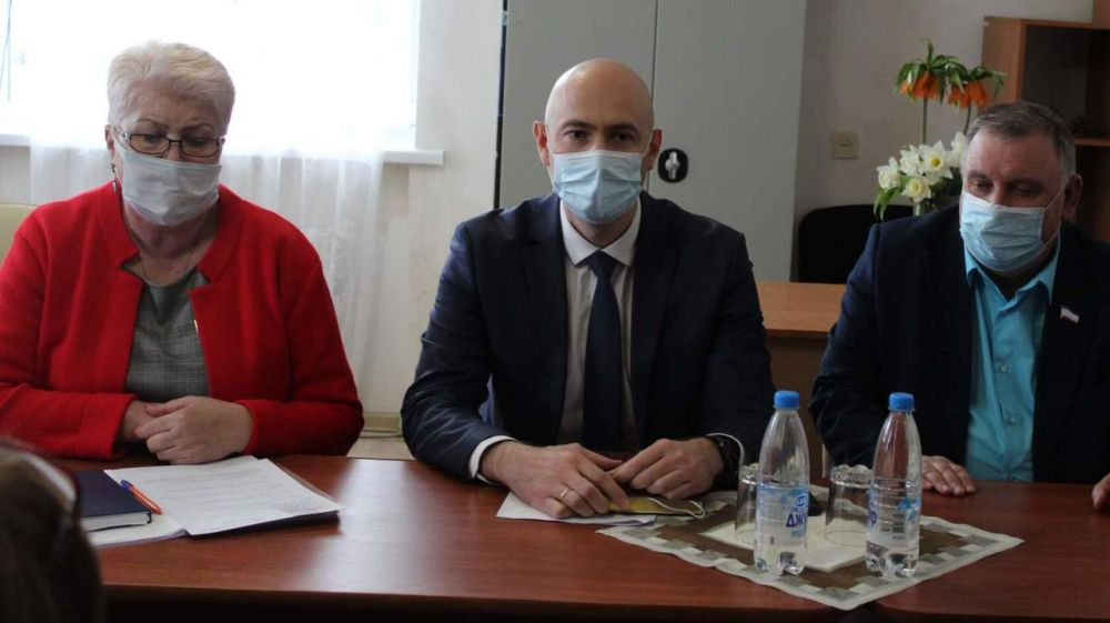Владимир Трегуб провёл рабочую встречу с депутатами и активом сел Чапаевского и Ильичёвского сельских поселений