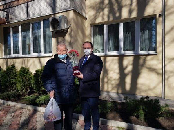 Сергей Трофимов поздравил с 85-летием ветерана труда Павла Федуличева
