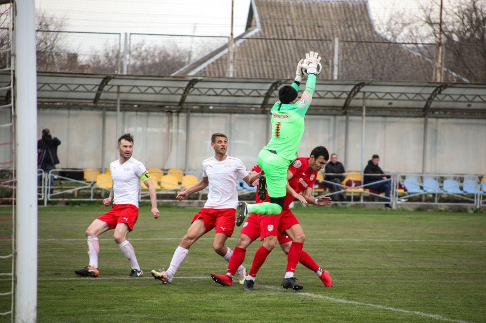 «Гвардеец» и «Евпатория» разыграют Кубок КФС 9 мая