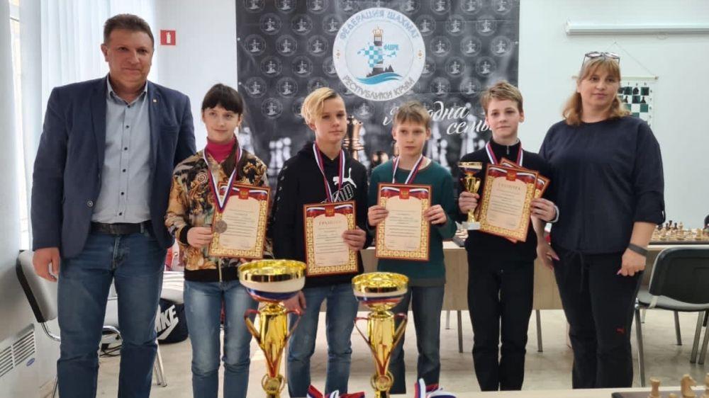 В Симферополе прошел республиканский этап турнира по шахматам «Белая ладья»