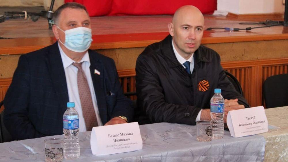Трегуб провёл рабочую встречу с депутатами и активом сел Дмитровского и Некрасовского сельских поселений