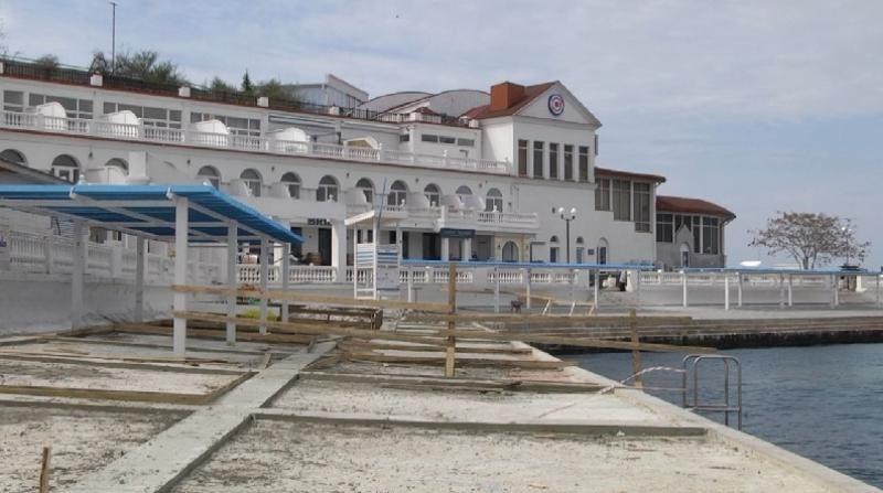 Пляжу «Хрустальный» пообещали надежное покрытие