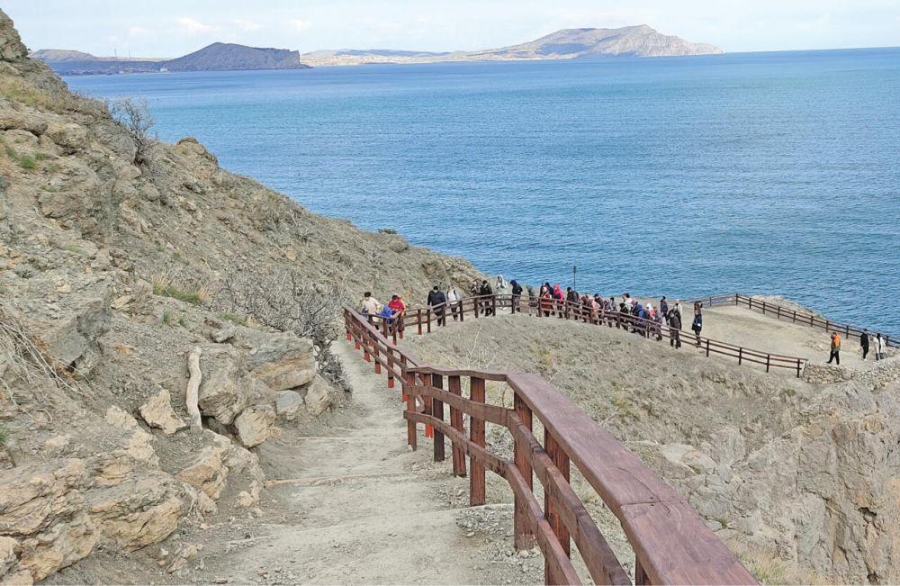 В заповедных зонах Крыма идёт благоустройство туристических маршрутов к сезону