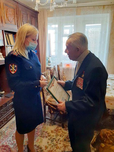Ветеранов Управления МВД России по г. Симферополю поздравили с праздником