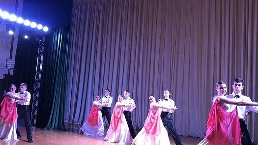 В районном Доме культуры прошел муниципальный этап фестиваля-конкурса «Крымский вальс»