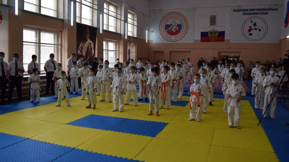 В Джанкое состоялось открытие Первенства по киокусинкай каратэ