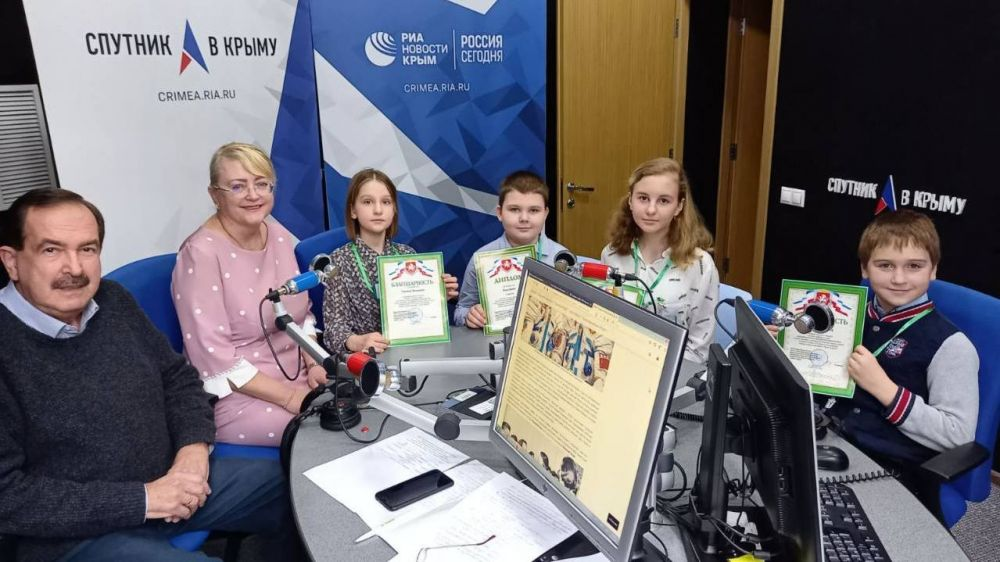 В эфире ток-шоу «От и до» на радио «Спутник в Крыму» речь шла о космосе