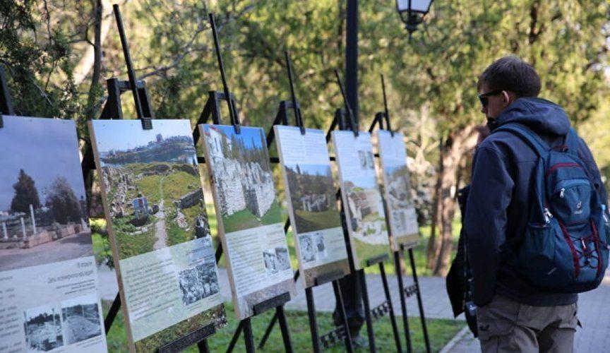 Древние памятники с новой стороны: что посмотреть на фотовыставке в Херсонесе