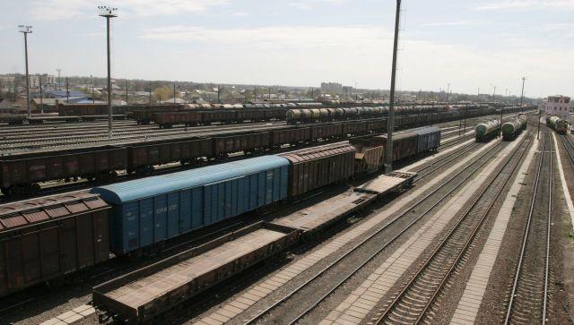 В Крыму девочка чуть не попала под колеса поезда из-за селфи