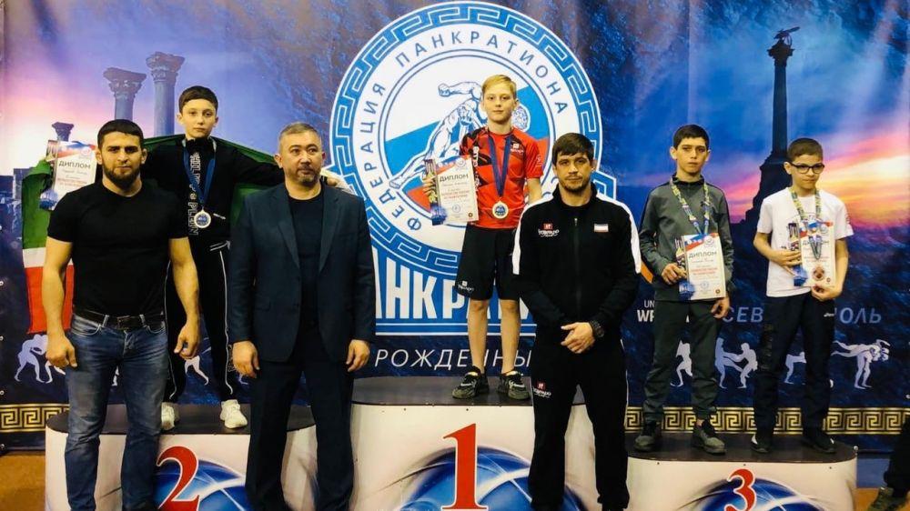 Крымские спортсмены завоевали семь медалей на первенстве России по панкратиону