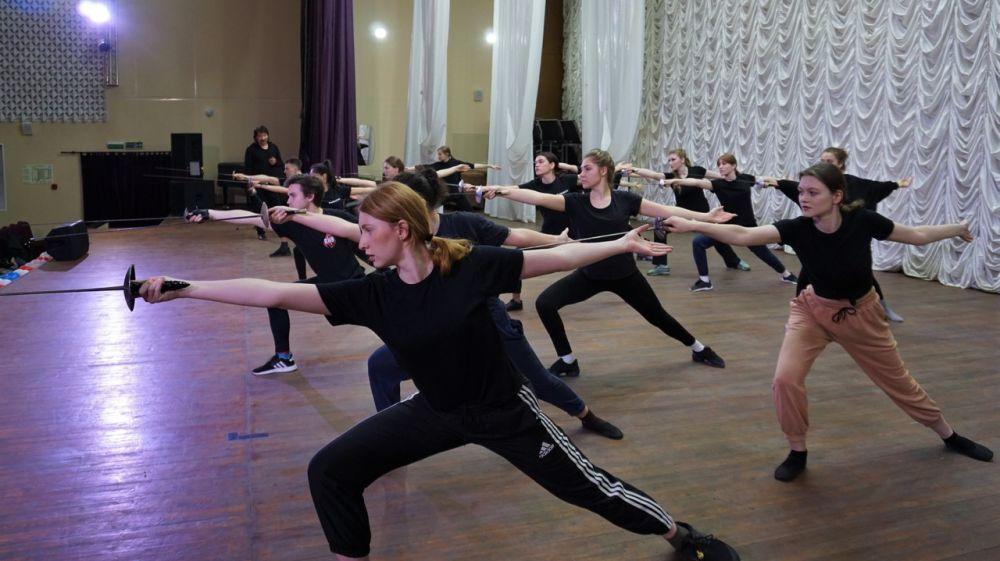 Педагоги ГИТИСа и ВГИКа провели мастер-классы для крымских студентов