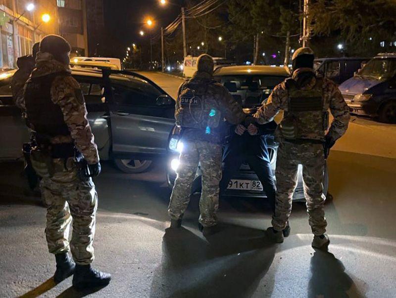 В Симферополе взяли под стражу чиновника-мошенника