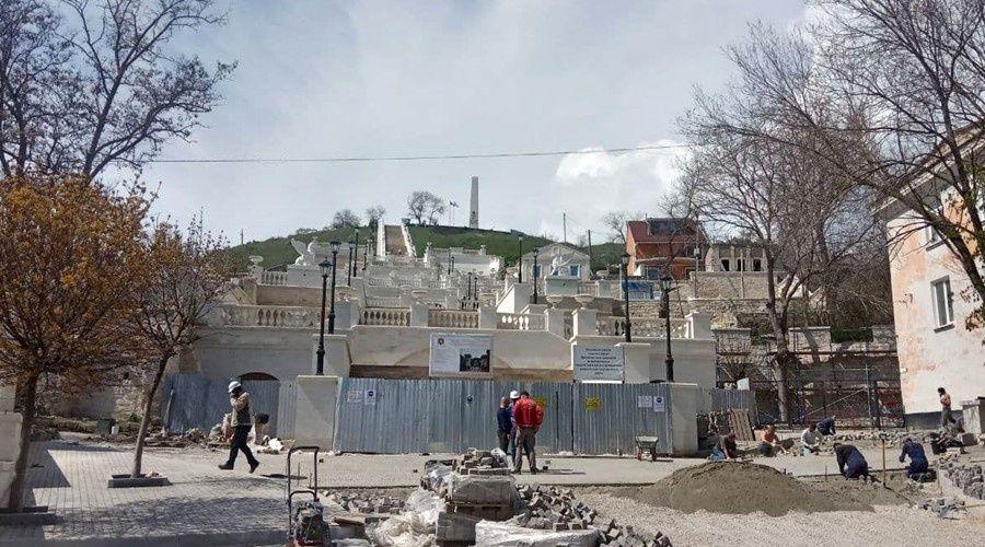 Реставрационные работы на Митридатских лестницах в Керчи завершатся к началу мая