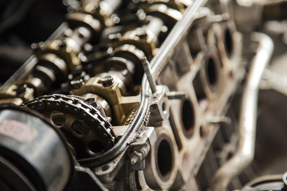 Жителю Ялты мошенник продал несуществующий двигатель для автомобиля