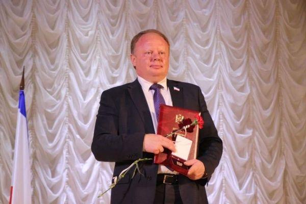Алексей Черняк поздравил с профессиональным праздником работников местного самоуправления Белогорского района
