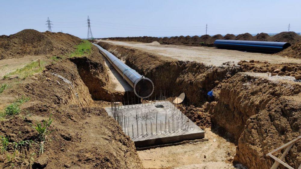 Специалисты Ленинского районного отдела Госкомрегистра зарегистрировали первый из группы самых больших водоводов на территории района