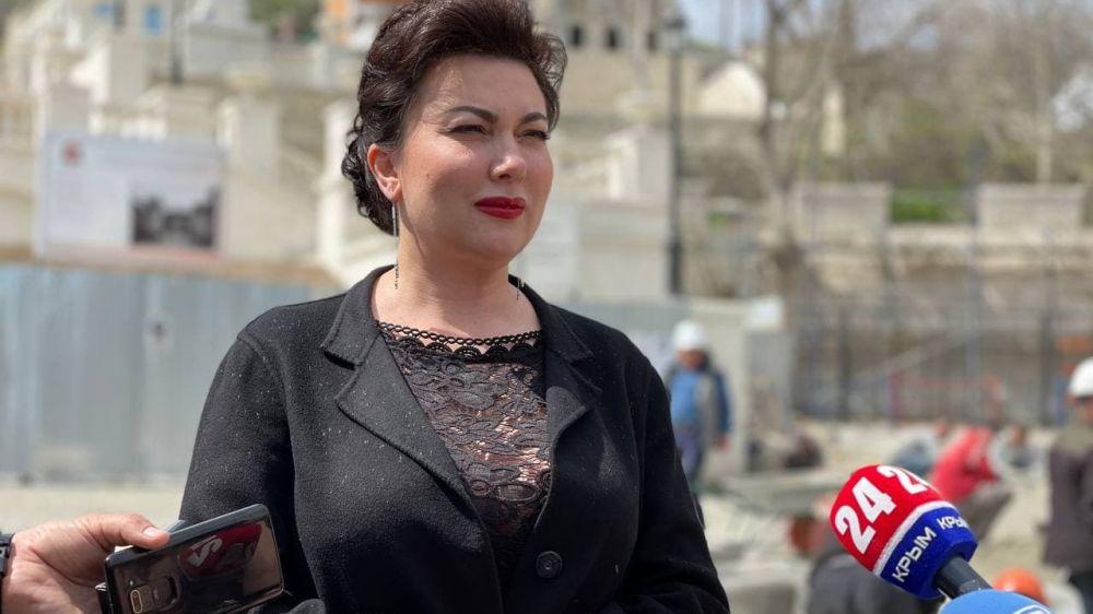 Арина Новосельская ознакомила представителей СМИ с финальной стадией работ на Митридатских Лестницах