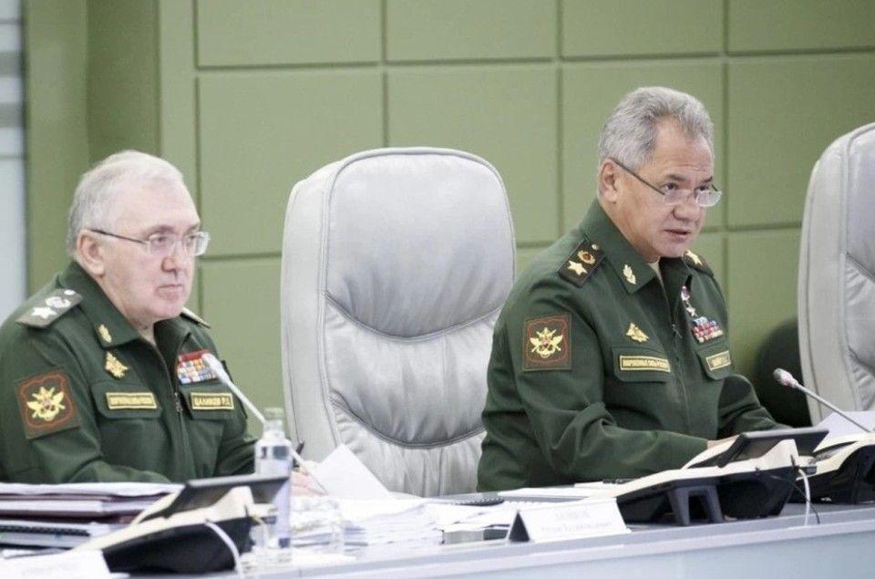 Российские военные начали возвращаться на базы после внезапных учений в Крыму