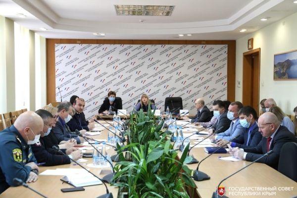 В крымском парламенте обсудили подготовку к проведению патриотической акции «Зажги свечу памяти»
