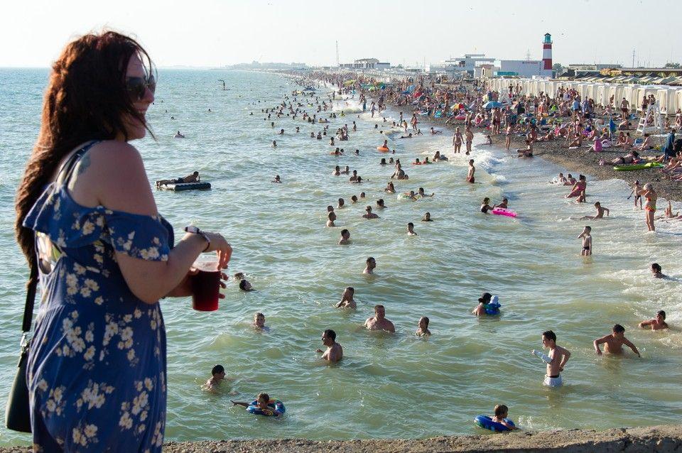 Тесно и дорого: Каким будет курортный сезон в Крыму 2021
