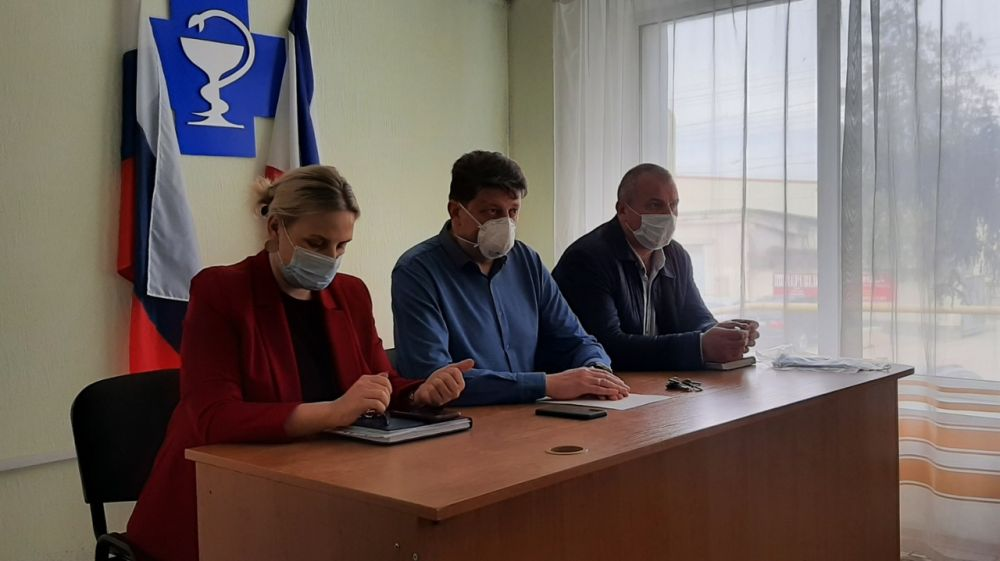 Председатель Госкомветеринарии Крыма Валерий Иванов провёл рабочее совещание с коллективом ГБУ РК «Республиканский ВЛПЦ» а также с сотрудниками Комитета