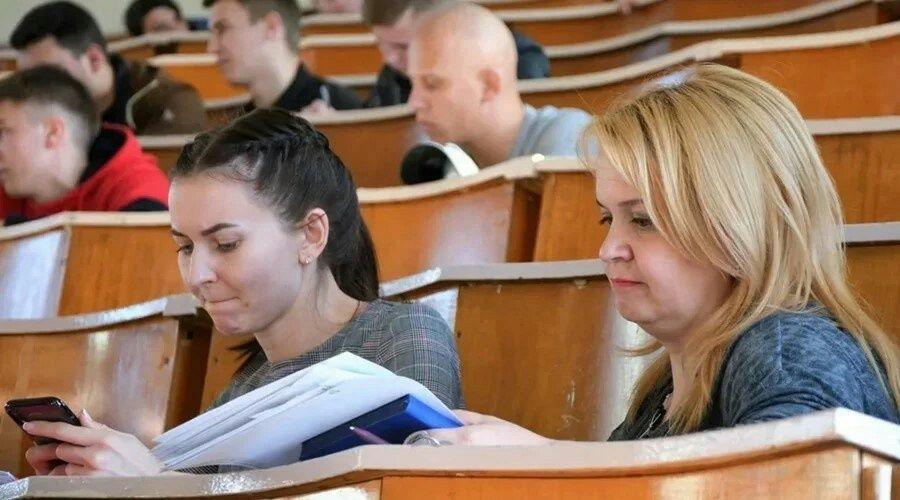 Освободить будущих первокурсников от оплаты общежития предложили в Госдуме