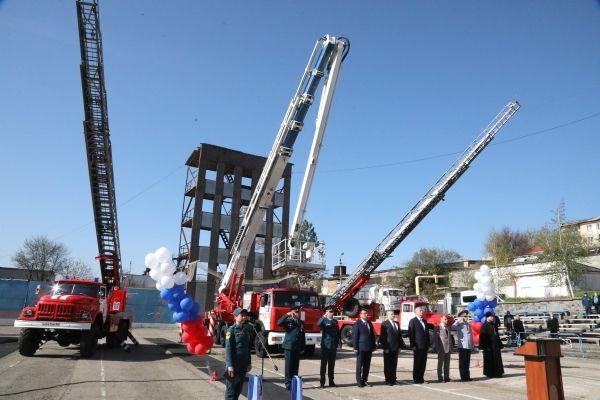 Владимир Константинов поздравил сотрудников пожарной охраны с профессиональным праздником
