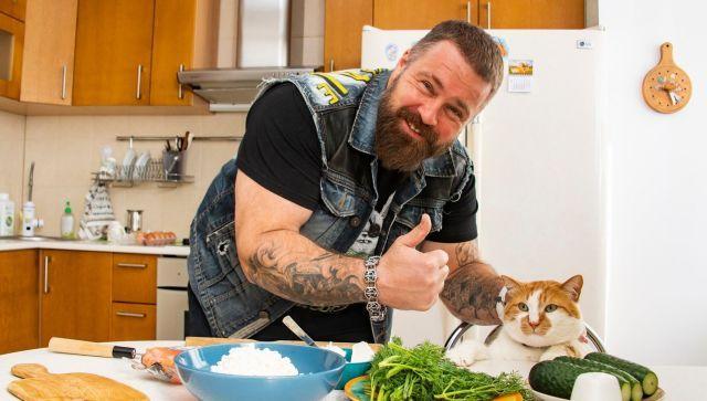 Дешево и вкусно: два блюда ЗОЖ-кухни от чемпиона мира и кота Мостика