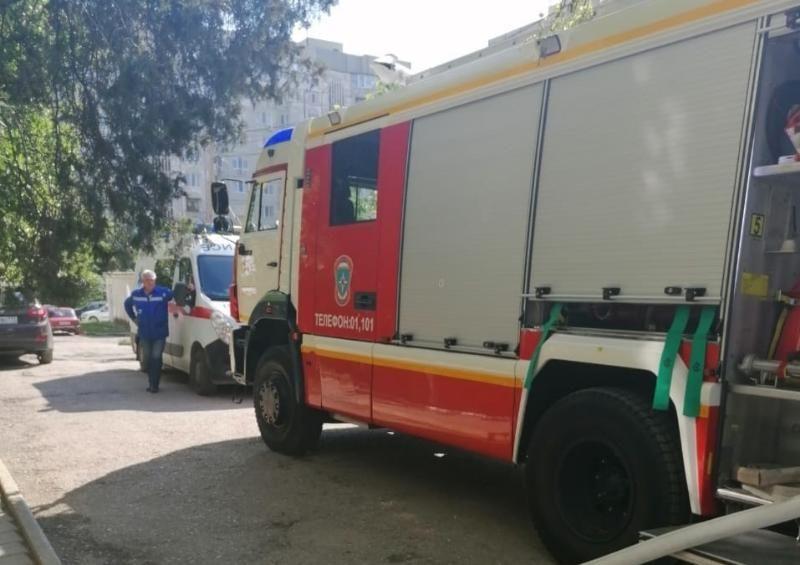 В Севастополе горел расположенный в многоэтажке магазин