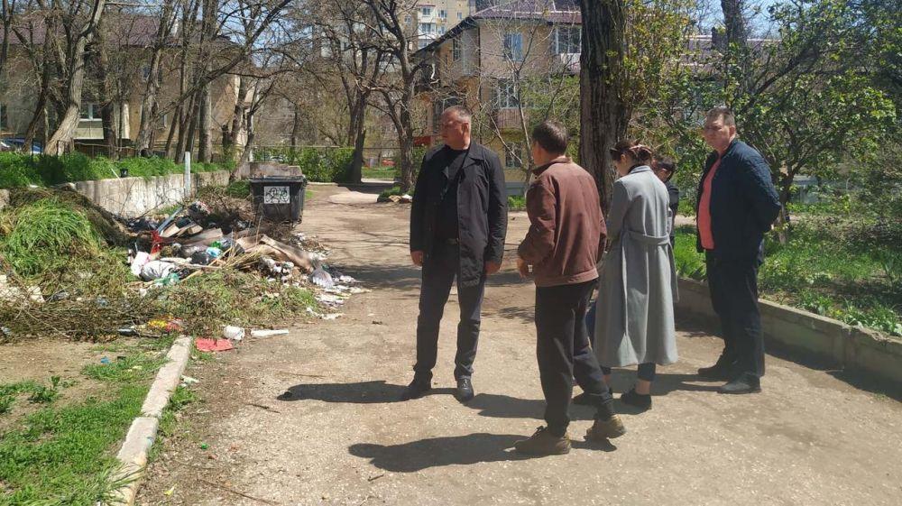 Первый заместитель главы администрации Сергей Шимко встретился с жителями 5-го квартала