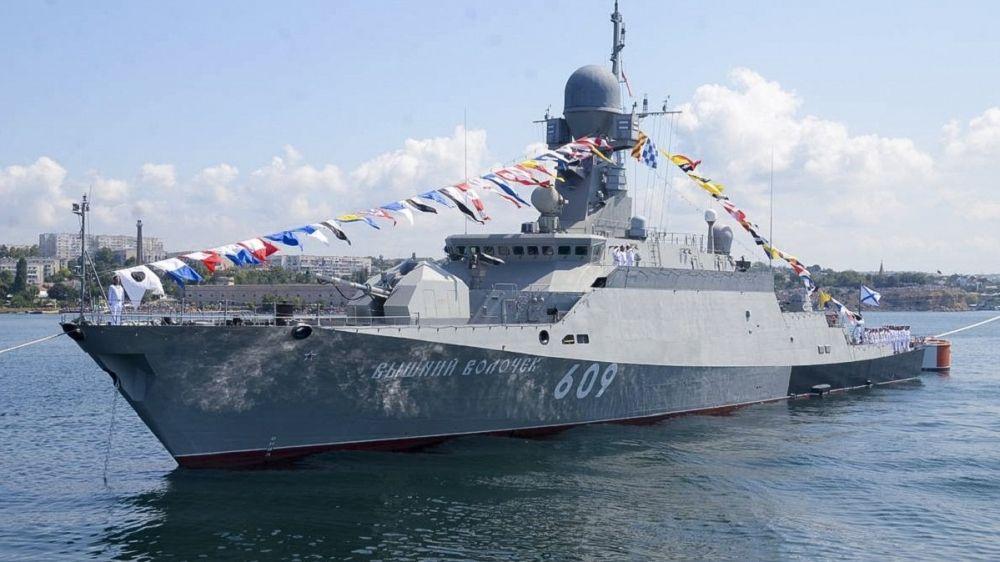 Ялтинцев и гостей курорта приглашают посетить малый ракетный корабль «Вышний Волочек»
