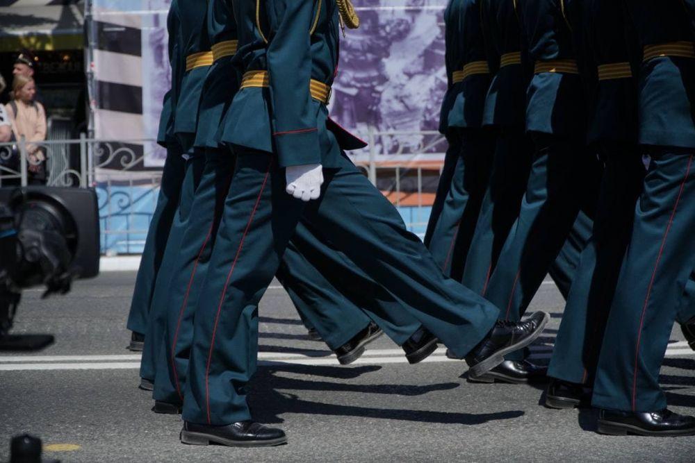 В Симферополе прошла генеральная репетиция парада ко Дню Победы