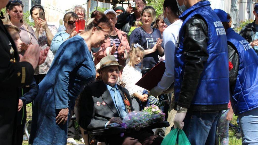 В Керчи чествуют ветеранов-фронтовиков