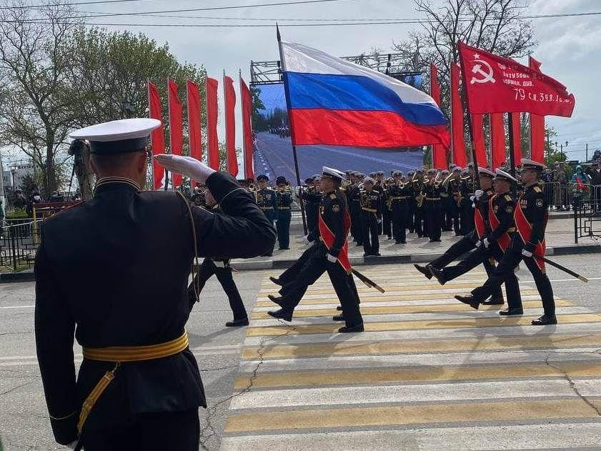 Видео Парада Победы в Керчи 9 мая 2021 года (запись прямой трансляции)