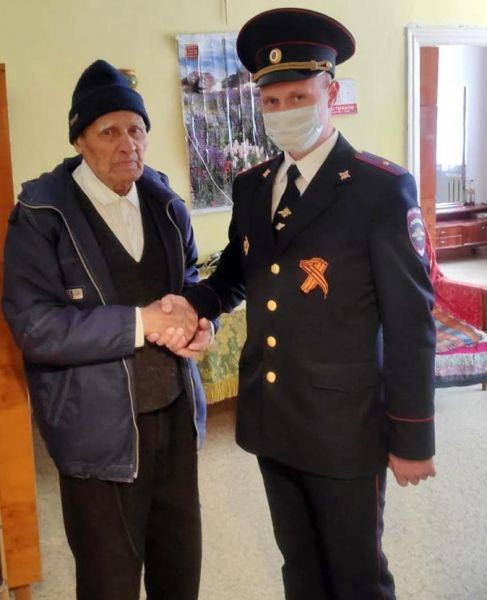 «Помним, гордимся, чтим» - руководители Управления МВД России по г. Ялта поздравили ветеранов с Днем Победы