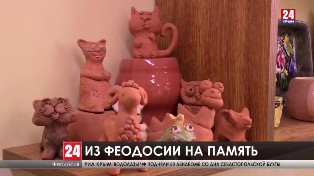 Крымские диковинки. Какое воспоминание из Феодосии этим летом увезёт с собой турист?
