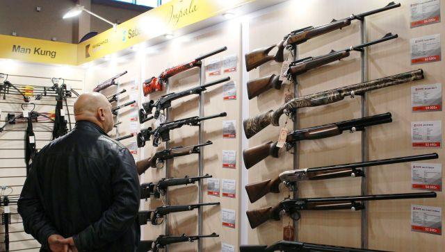 В России ужесточат правила владения оружием после трагедии в Казани