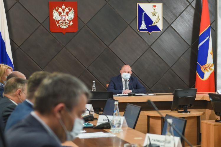 Михаил Развожаев выразил соболезнования семьям погибших в Казани школьников