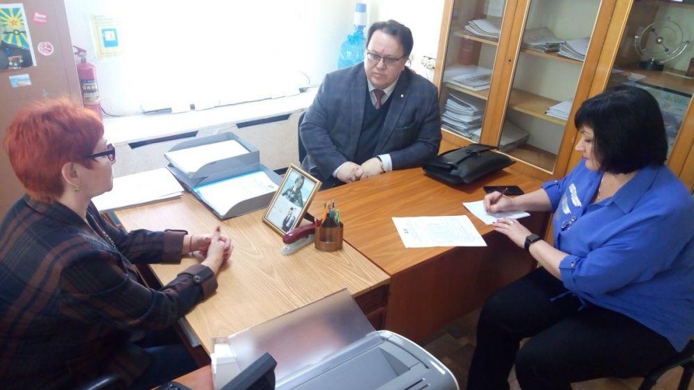 Олег Лобов с рабочим визитом посетил администрацию города Щелкино Республики Крым