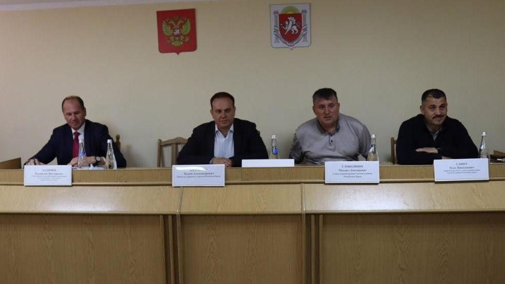 Пляжи Сакского района будут освобождены от незаконных конструкций - Вадим Волченко