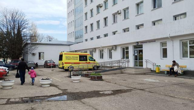 В Севастополе годовалый малыш поранился рыболовным крючком