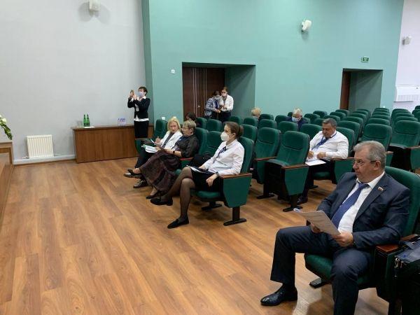 Крымский парламент выступил за предоставление детям медицинских работников приоритетного права на места в детских садах