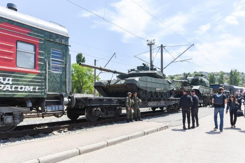 В Севастополь прибыл агитпоезд Минобороны «Мы — армия страны! Мы — армия народа!»