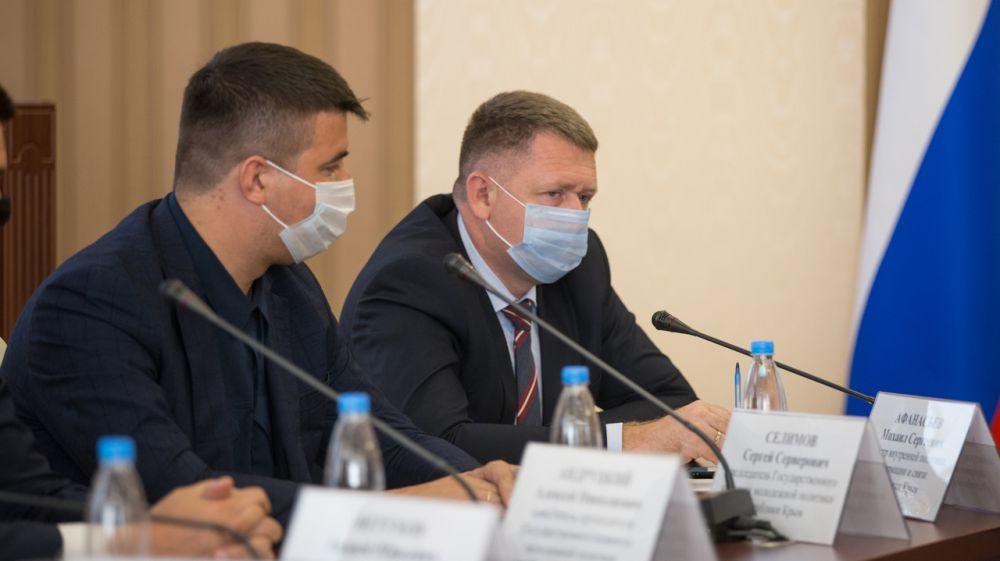 Михаил Афанасьев: В Крыму уделяется особое внимание развитию сотрудничества с молодежными организациями