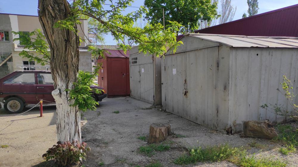 Вниманию владельцев нестационарных объектов (металлических гаражей), расположенных по адресу: г. Феодосия, ул. Чкалова, д.82