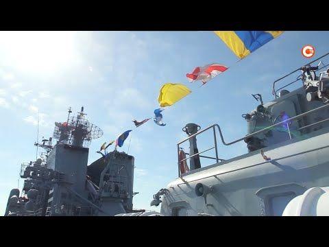 «Вечер на рейде» прошел в Севастопольской бухте (СЮЖЕТ)